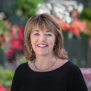 Carolyn Weaver Headshot